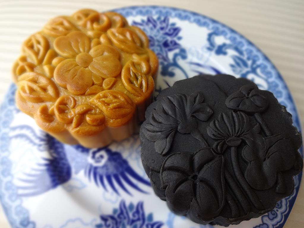 中秋の名月には、お月様のケーキ「月餅」を食べよう