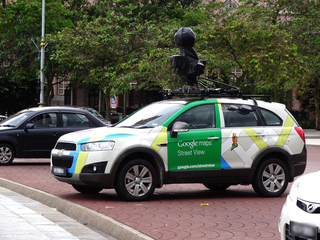 観光地をぐるぐる廻る?Googleストリートビュー撮影車